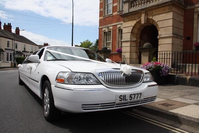 Select Limos 8 passenger limo in white at Cleethorpes Town Hall