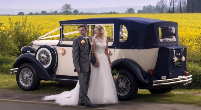 Select limos Harriet 1920's style vintage wedding car in Ivory & Blue
