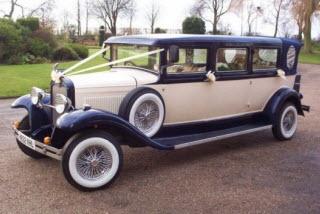 Harvey Select Limos 7 passenger vinatge style wedding car