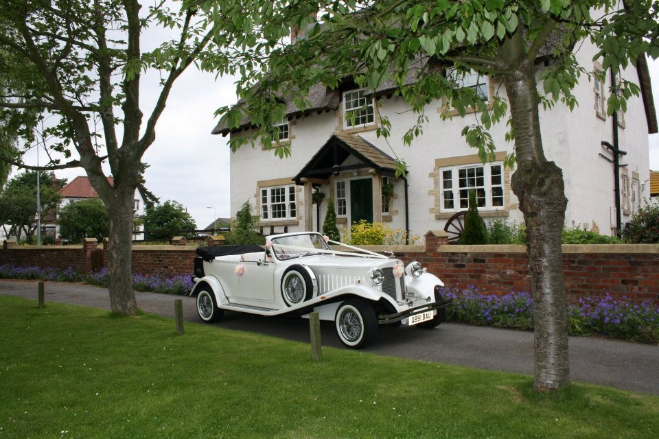 Select limos vintage style 1930's wedding car in white with call her Bella