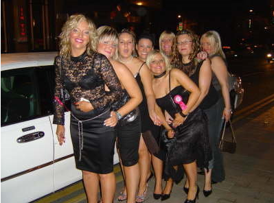 Select Limos white stretched limousine