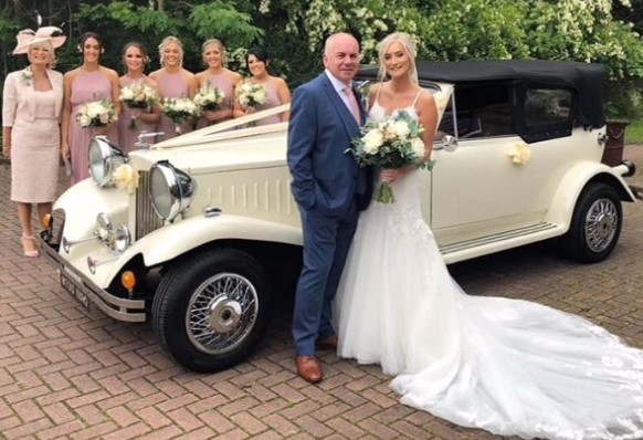 Beau wedding car