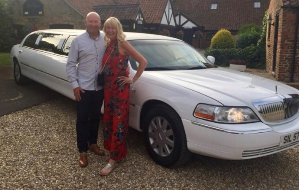 White limo in grimsby